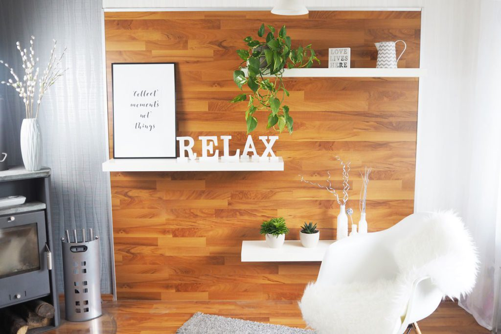 laminat an der wand - do it yourself: blickfang regalwand - Laminat Wand Küche