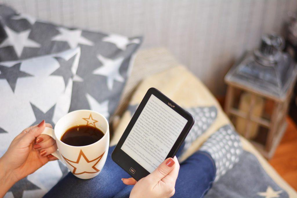 erwin mueller gemuetliches zuhause lesen kaffee