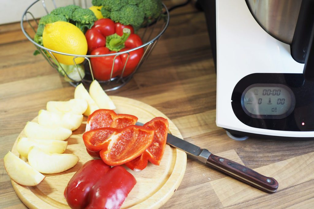 kuechenmaschine mit kochfunktion medion md 16361 brokkolisalat vorbereiten rezepte