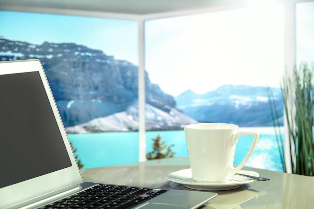 unterwegs sicher surfen laptop urlaub