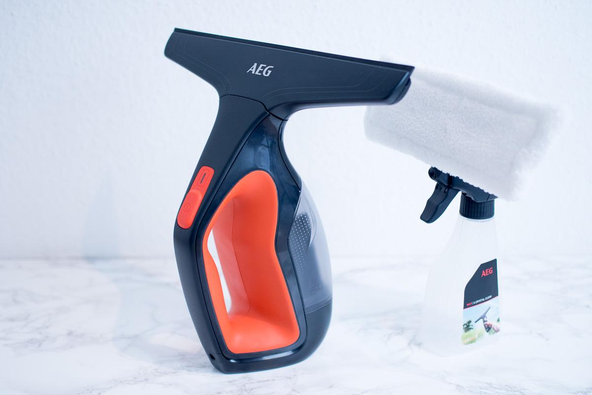 AEG Fenstersauger mit spruehflasche und wischer