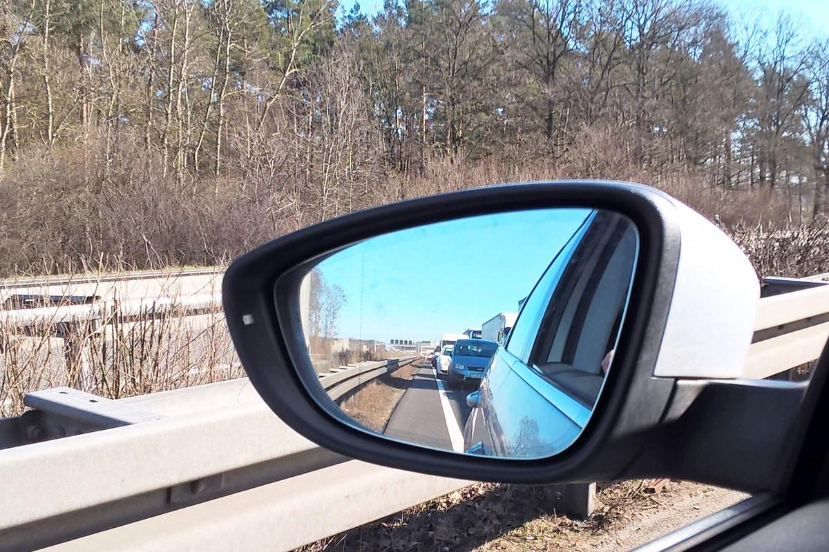 Autobahn stau autospiegel