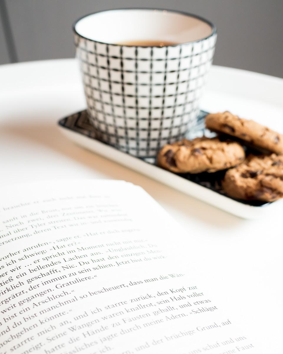 lesen tee winterabend
