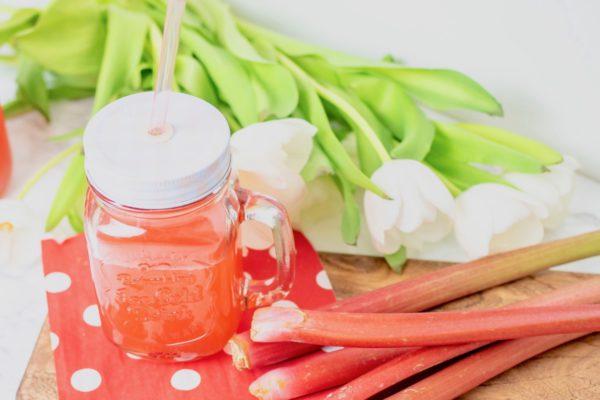 Titelbild Rezept Rhabarber Erdbeer Limo