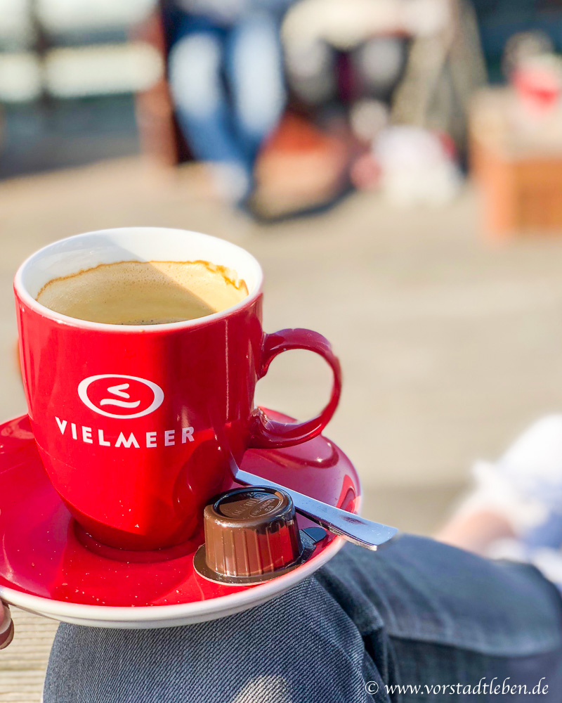 sonntagsglueck auszeit am meer kuehlungsborn kaffee