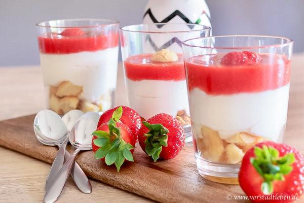 Titelbild schnelles Erdbeerdessert im Glas Rezept