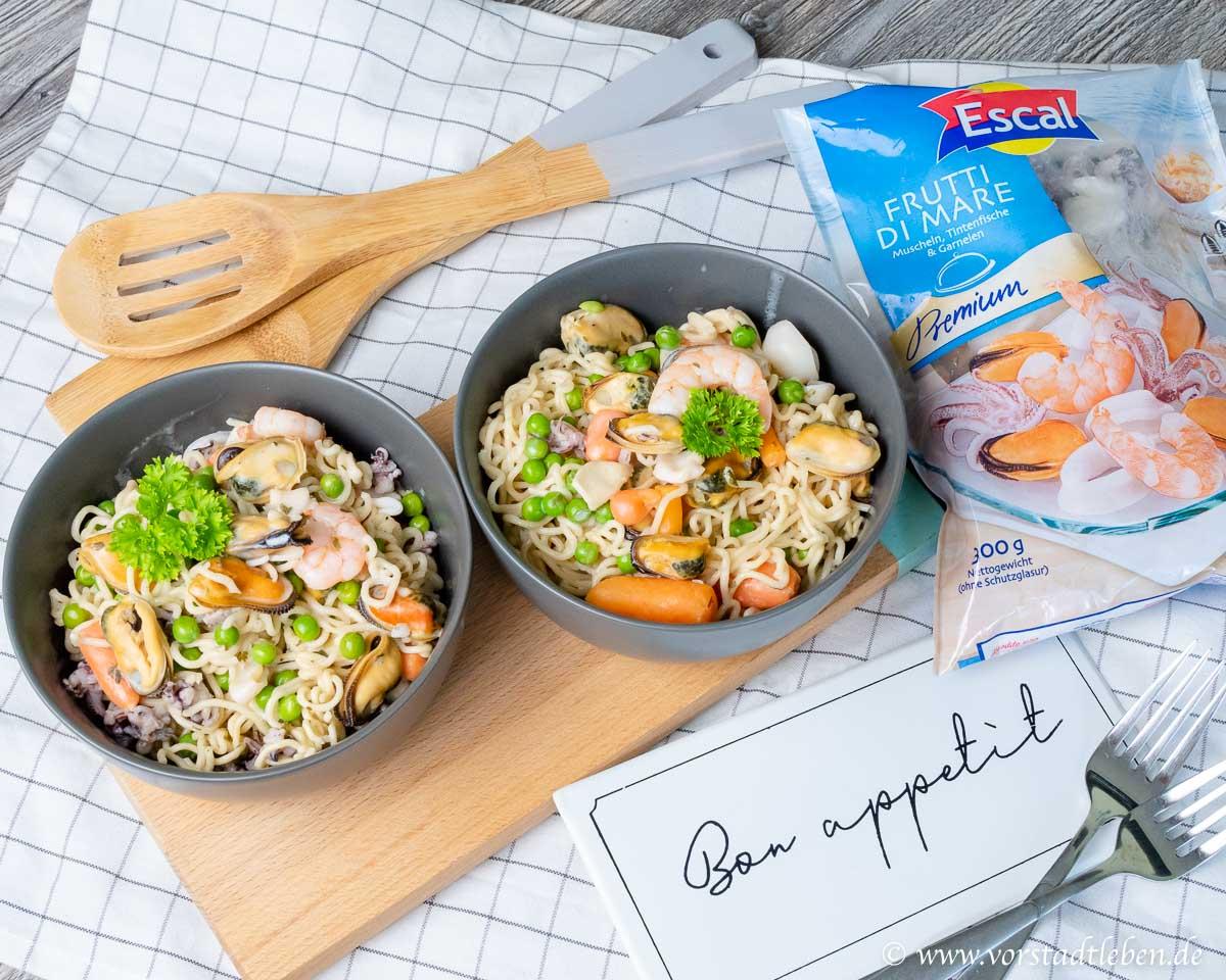 Schnelle Feierabendküche - Mie Nudelpfanne mit Meeresfrüchten