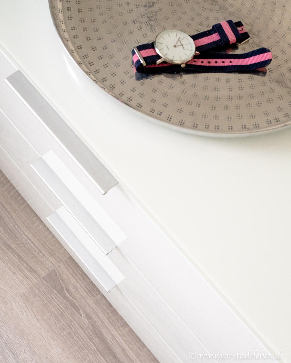 Kommode mit Schubladen Aufbewahrung im Ankleidezimmer