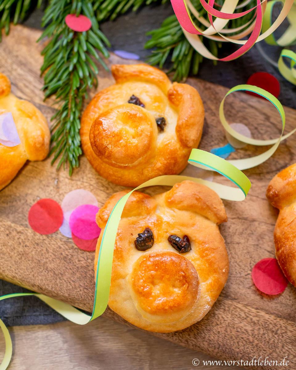 silvester neujahr gluecksschweinchen backen